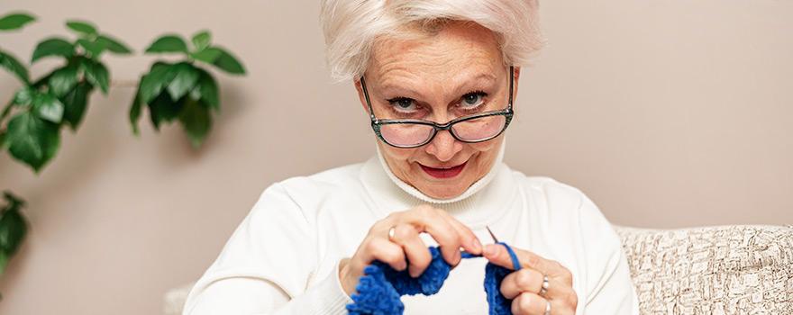 Yaşlılarda Göz Kontrolleri ve Gözlük Kullanımı Nasıl Olmalıdır ?